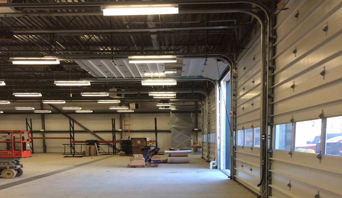 Gmp brattleboro operations 39 center russell construction for Due bay garage
